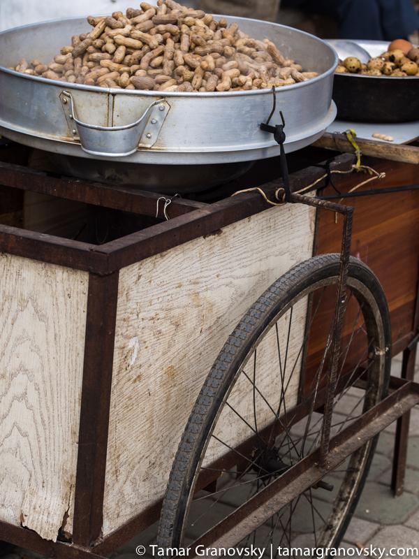 Kunming, (Salt) Peanuts!