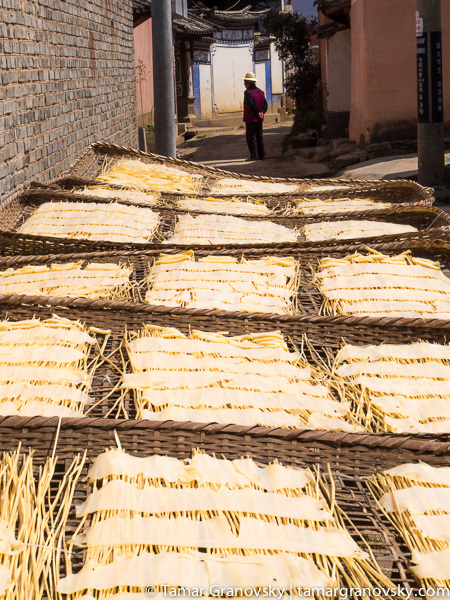 Shaxi Alley, (soy bean curd sheets drying in the sun)