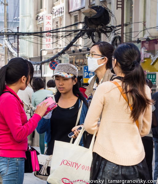 The exception to the rule (mask-wearing in Kunming, Yunnan Province, China)